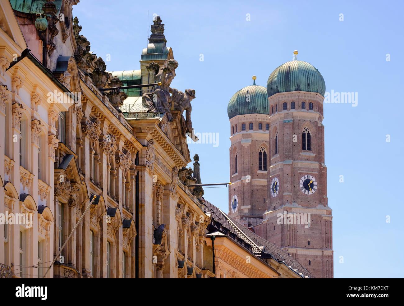 Fassaden in Kardinal-Faulhaber-Straße, Frauenkirche, Dom, Altstadt, München, Oberbayern, Bayern, Deutschland Stock Photo