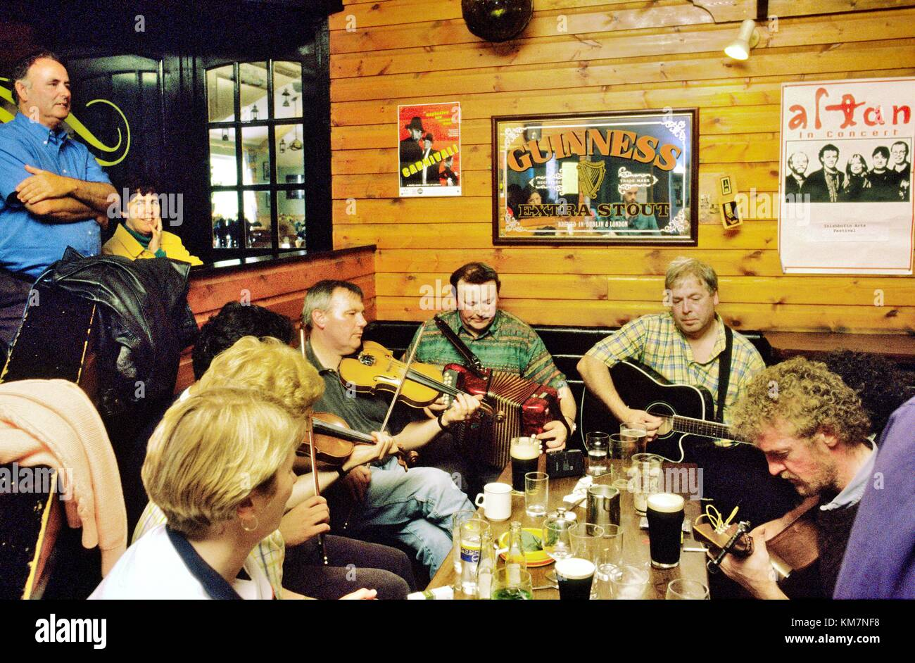 Traditional Irish pub music session in Days Bar on the west