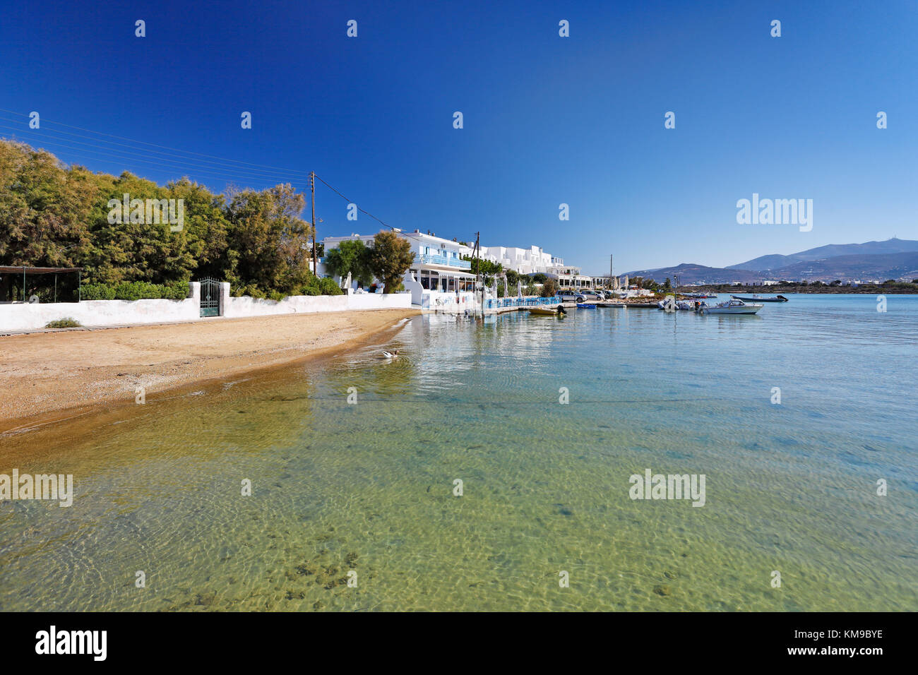 A beach at the port of Antiparos island, Greece - Stock Image