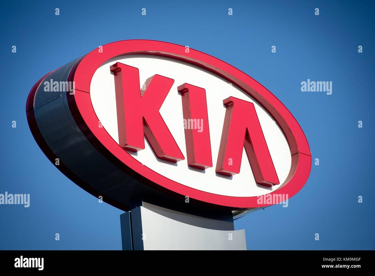 Kearny Pearson Kia >> Kia Logo At Kearny Pearson Kia Car Dealer In Kearny Mesa In