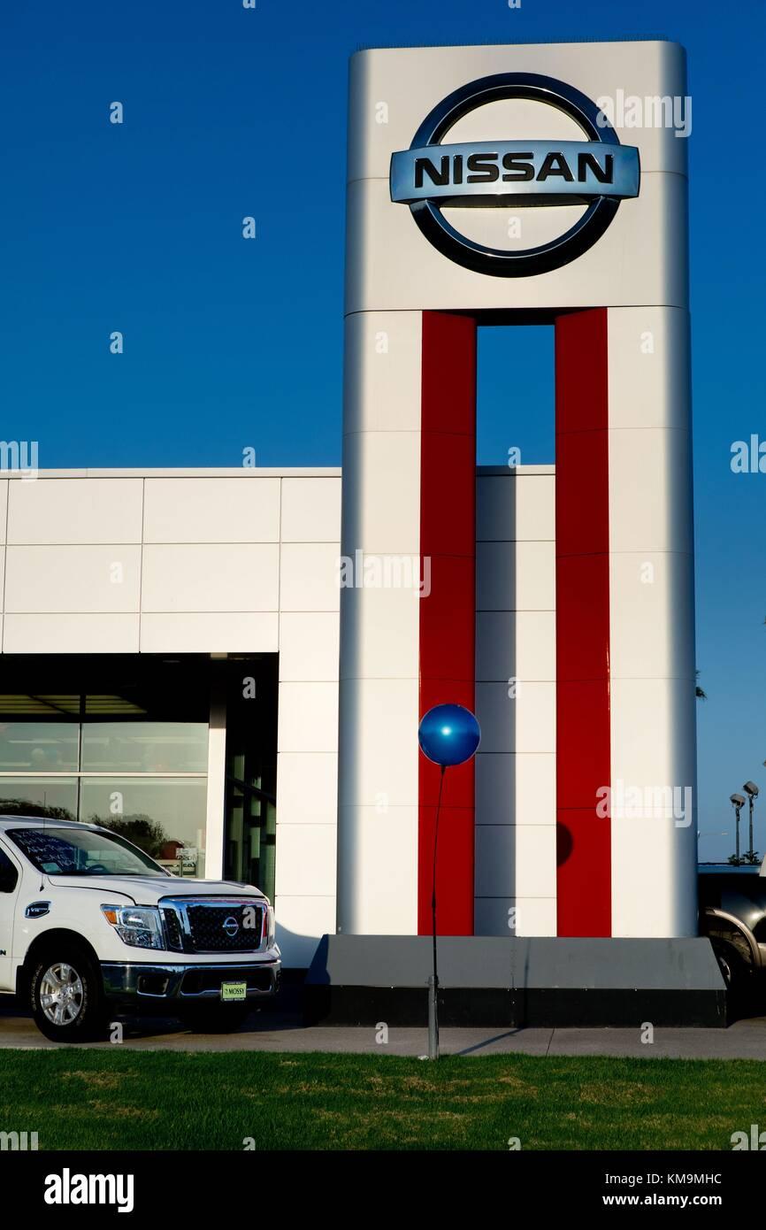 Nissan Kearny Mesa >> Mossy Nissan Kearny Mesa Car Dealer In San Diego In August