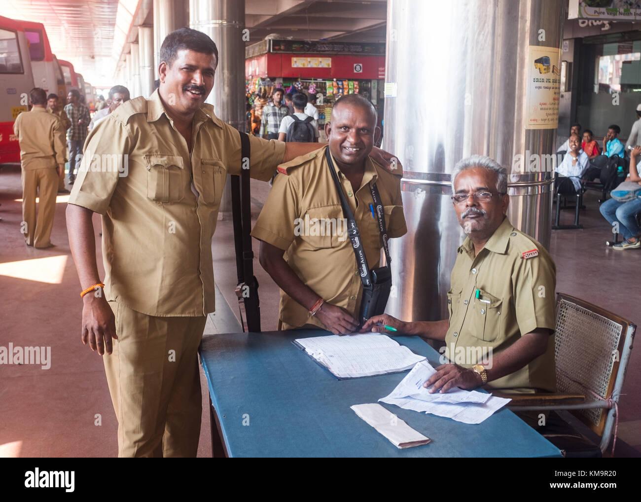 Karnataka Bus Stock Photos & Karnataka Bus Stock Images - Alamy