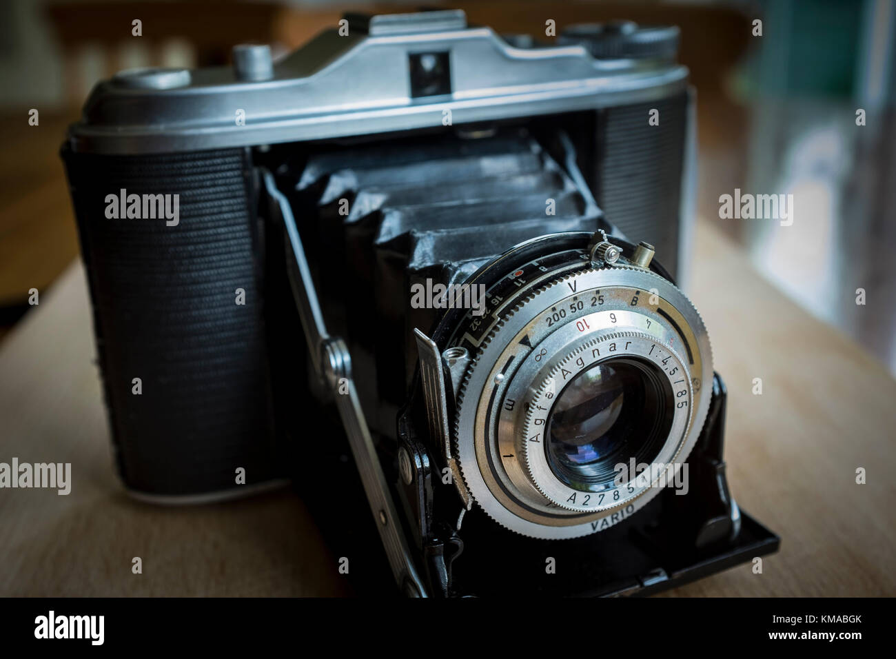 Vintage horizontal folding medium format 6x6 camera Agfa Isolette 1 with Agnar lens - Stock Image