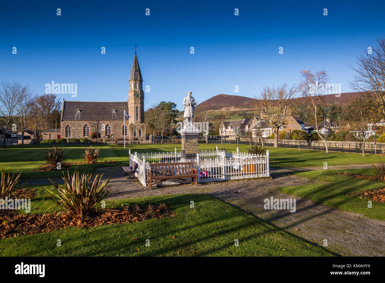 The village of Rhynie, Aberdeenshire, Scotland, with Tap O noth, famed for it's vitrified stone walls, in the - Stock Image