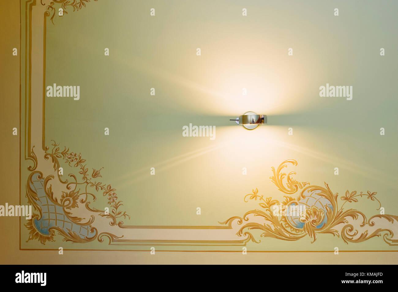 Wand, Dekoration, Gemälde, historisch, innen, Haus, Tradition, Oldenburg, Firma, Leuchte, Treppe, Ornament - Stock Image