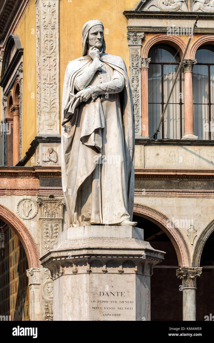 Statue of Dante Alighieri, the major Italian poet in Piazza dei Signori square, Verona, Veneto, Italy - Stock Image