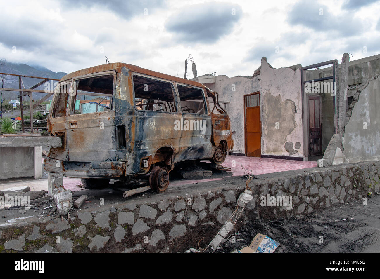 Abandoned house after the Merapi Volcano eruption, Central Java - Stock Image