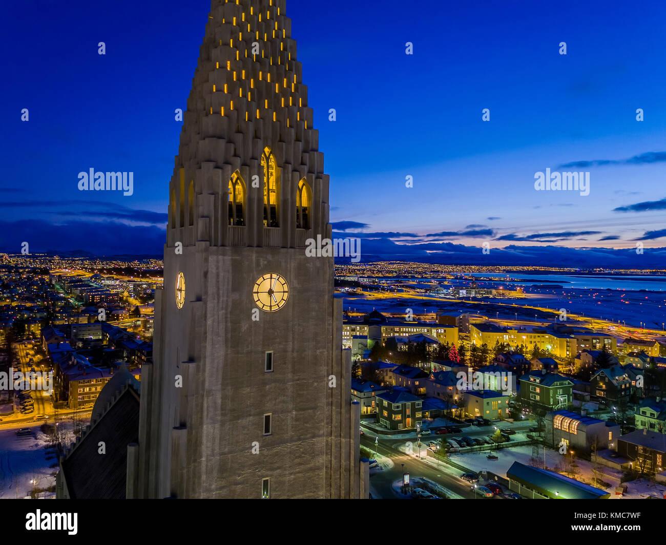 Hallgrimskirkja Church at night, Reykjavik, Iceland - Stock Image