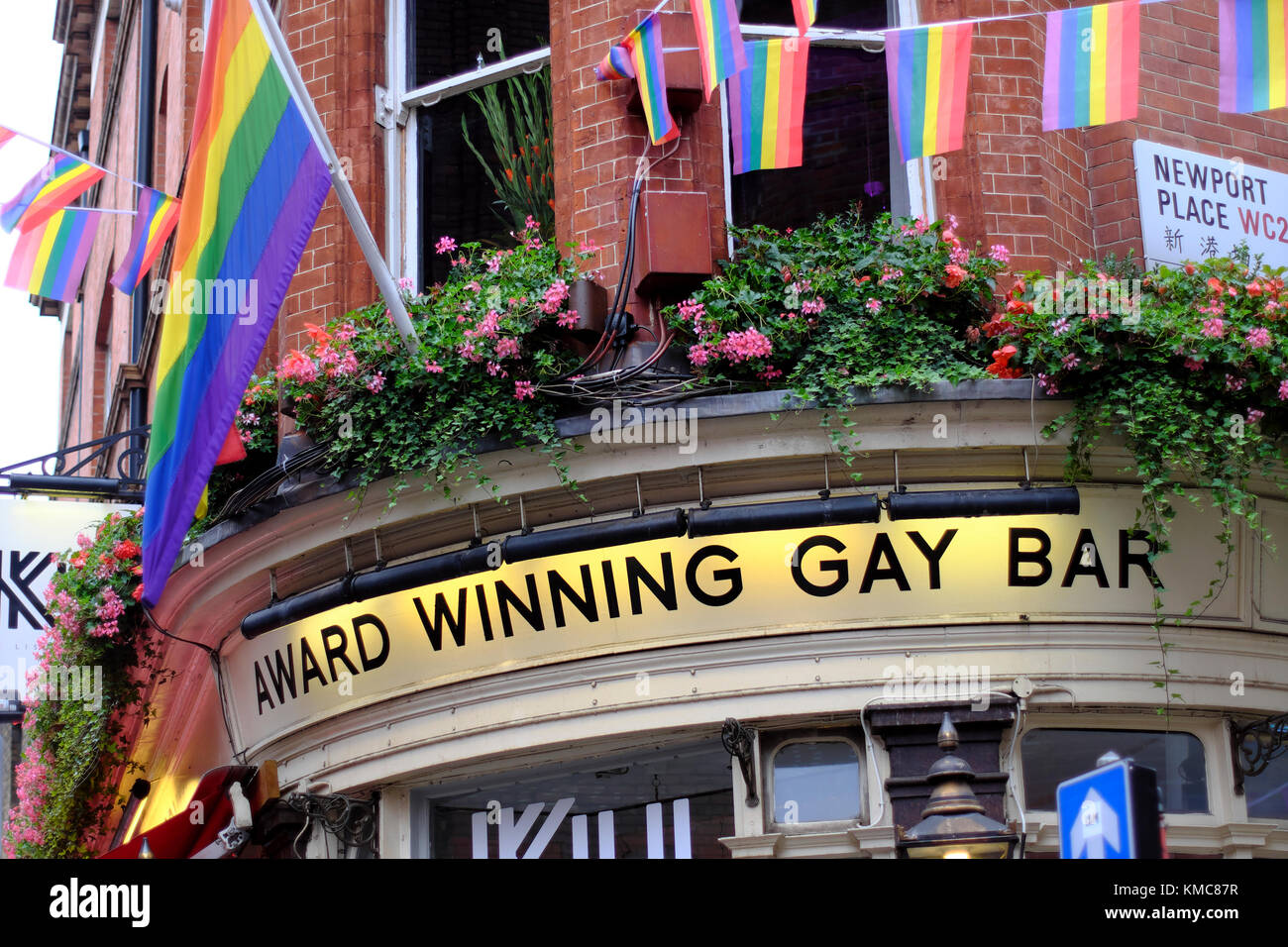 Best Gay Bars In Barcelona For A Fun Night Out