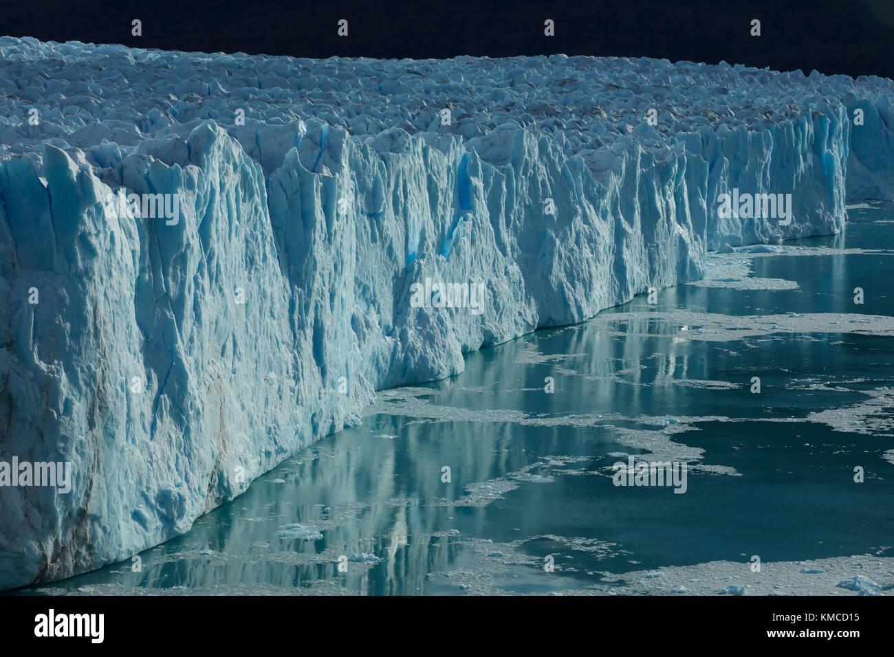 Terminal face of Perito Moreno Glacier, and Lago Argentino, Parque Nacional Los Glaciares (World Heritage Area), - Stock Image
