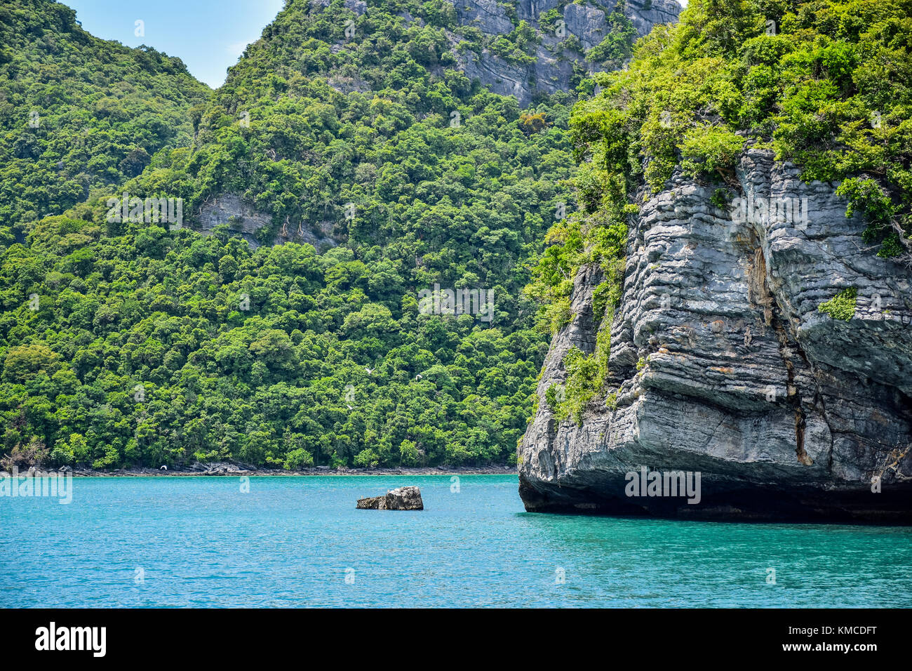Beautiful seascape of Thailand sea and island of Samui, one of the most famous tourist vacation destination - Stock Image