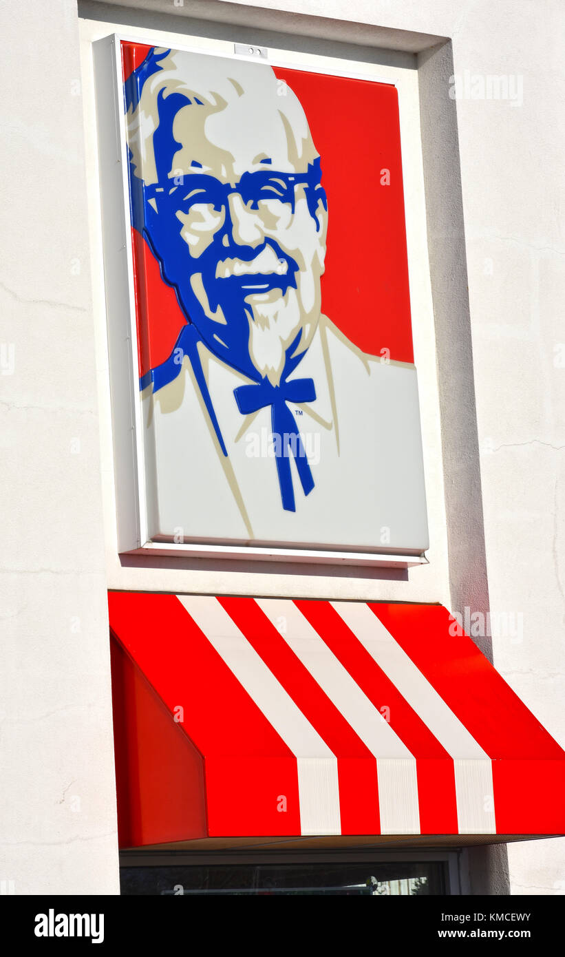 Kentucky Fried Chicken fast food restaurant with Colonel Sanders outside in Bellingham, Washington, USA. Stock Photo