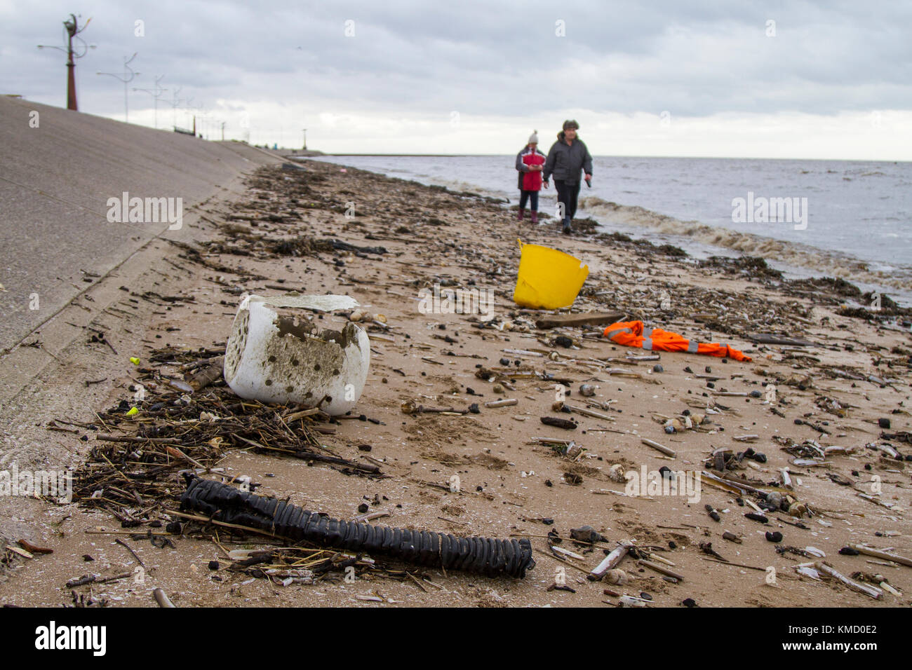 Southport, Merseyside, UK Weather. 6th December, 2017.  High Tide at the resort brings in plastic debris& refuse - Stock Image