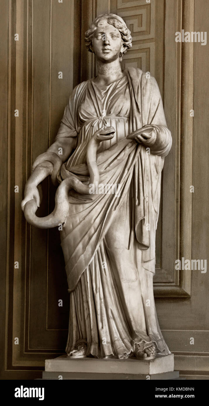 Hygiea Roman Statue   Palatina Gallery - Galleria Palatina - Palazzo Pitti  Renaissance, a palace in Florence, Italy. - Stock Image