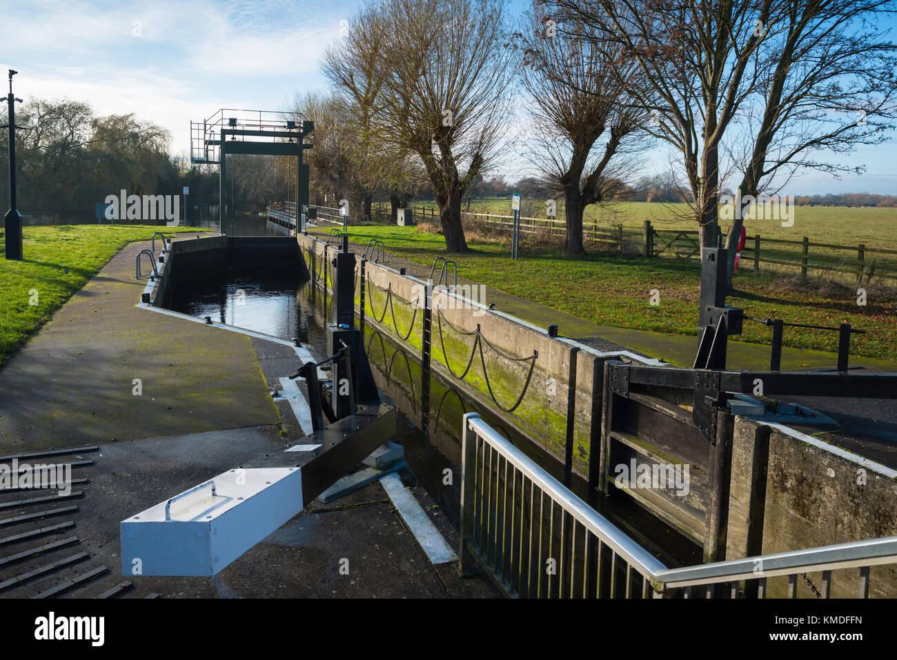 Godmanchester Lock, Cambridgeshire, England, UK. - Stock Image