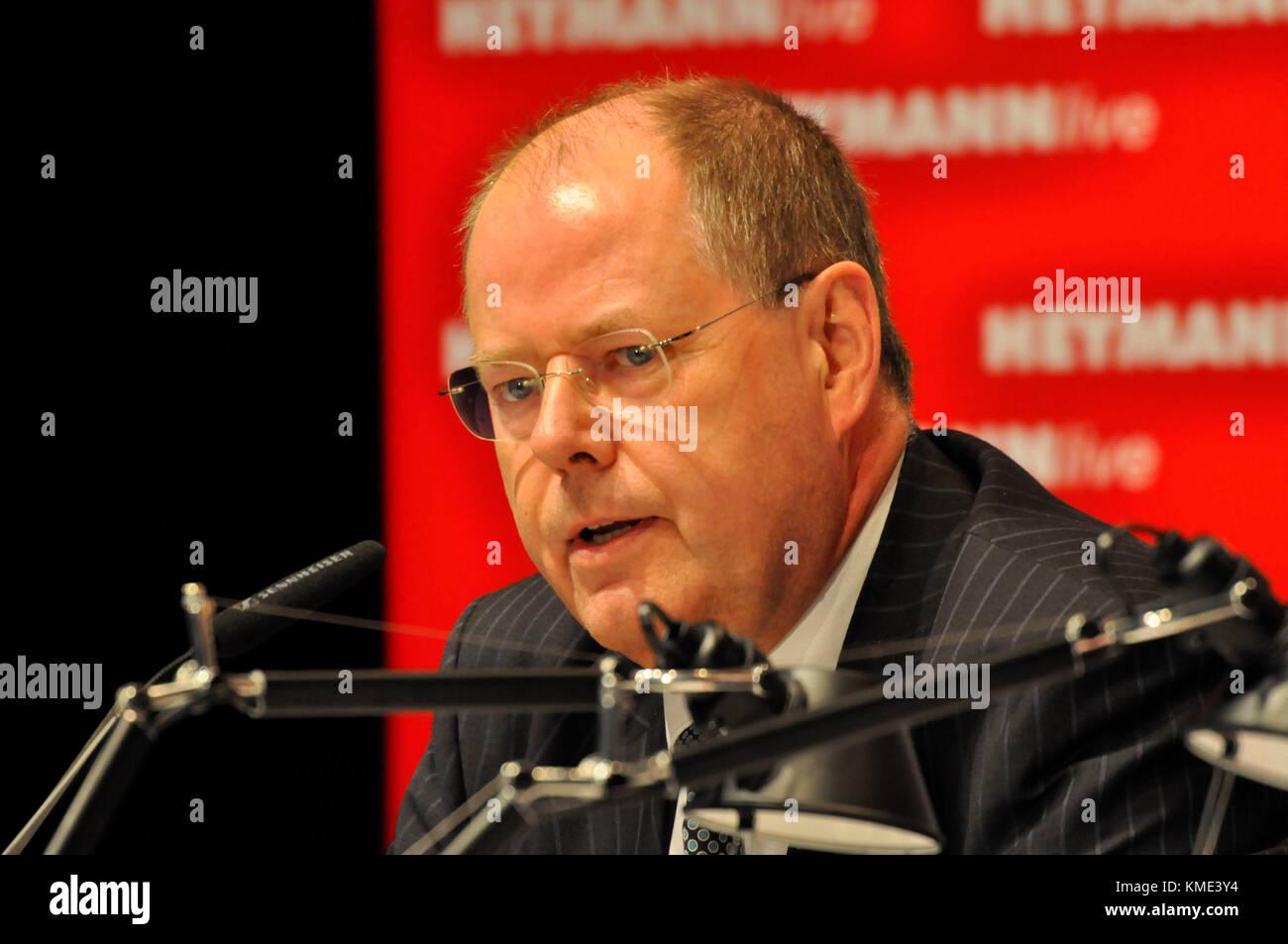 Deutschland, Hamburg, 16.09.2010, Harbour Front Literaturfestival Hamburg. Der ehemalige Bundesfinanzminister Peer - Stock Image