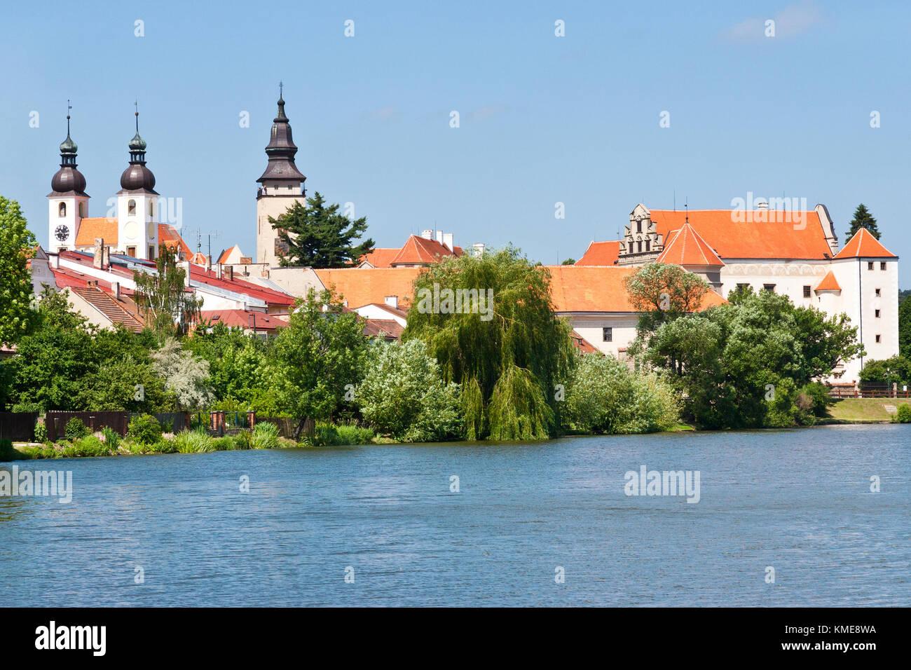 renesancni zamek z 1550, Štěpnický rybník, Telč (UNESCO), Kraj Vysočina, Česka republika / renaissance castle from Stock Photo