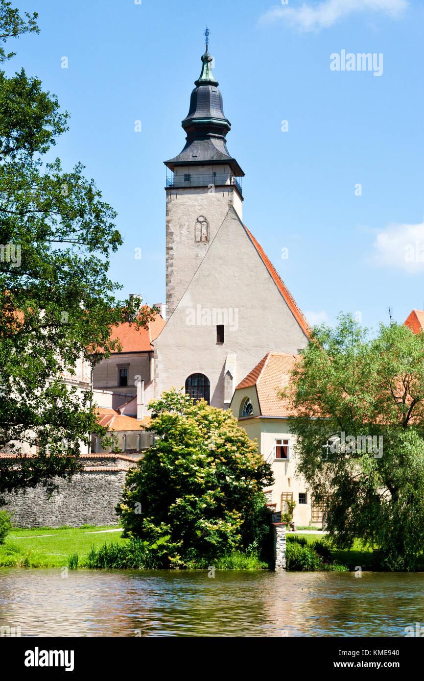 kostel sv. Jakuba přes Uličský rybník, Telč (UNESCO), Kraj Vysočina, Česka republika / st. Jacob churchr,Ulicky Stock Photo