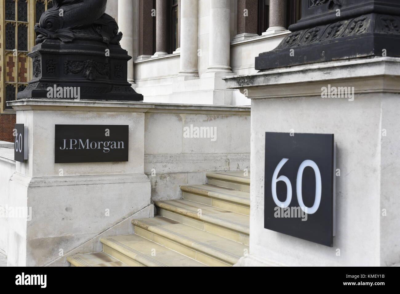 J P Morgan Co Investment Bank Headquarters 60 Victoria Stock Photo Alamy