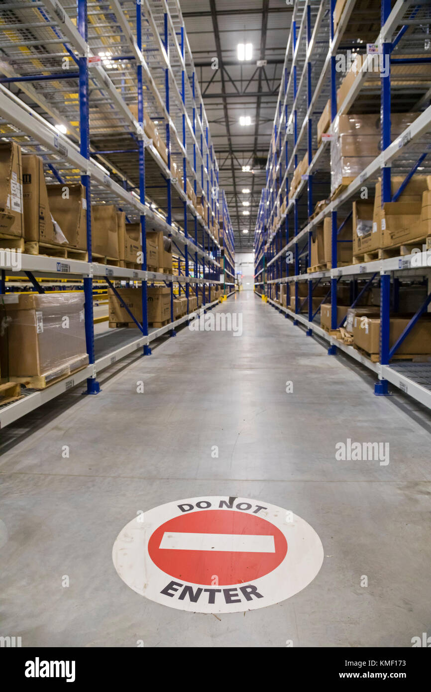 Romulus, Michigan - A traffic sign for fork lift drivers at a Mopar auto parts distribution center. Mopar is the - Stock Image