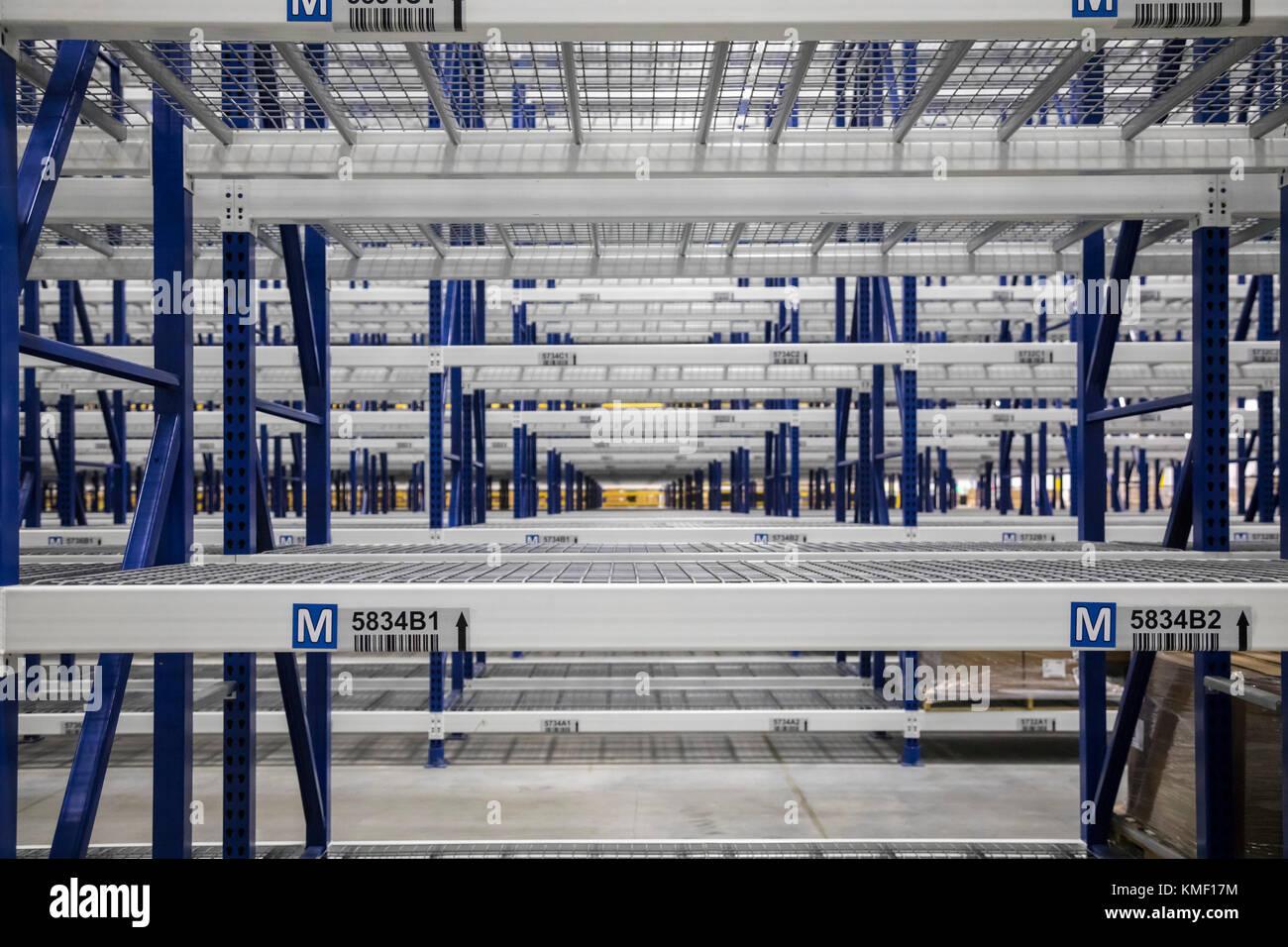 Romulus, Michigan - Empty shelves at a new Mopar auto parts distribution center. Mopar is the auto parts operation - Stock Image