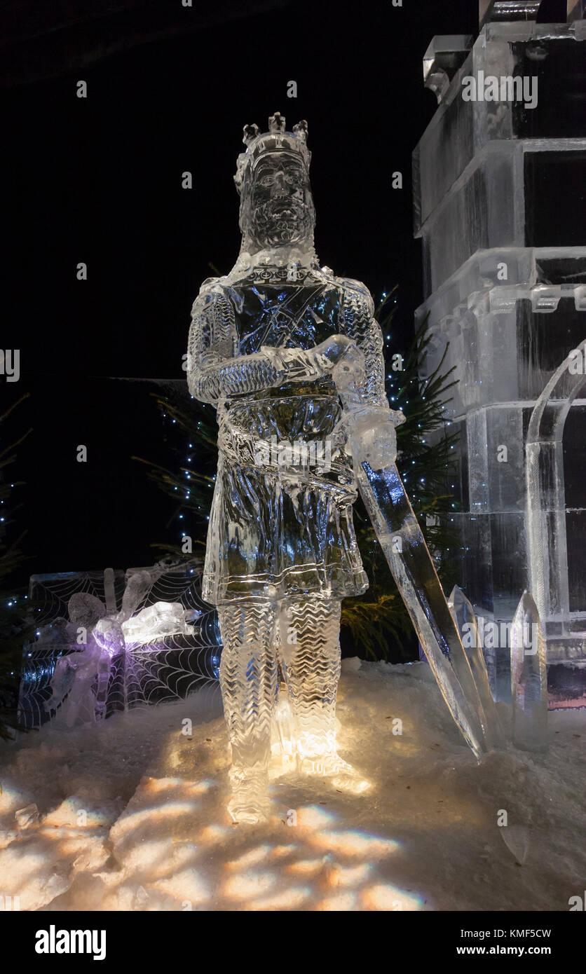 Ice sculptures of Robert the Bruce and his spider in The Ice Adventure: a Journey through Frozen Scotland, part - Stock Image
