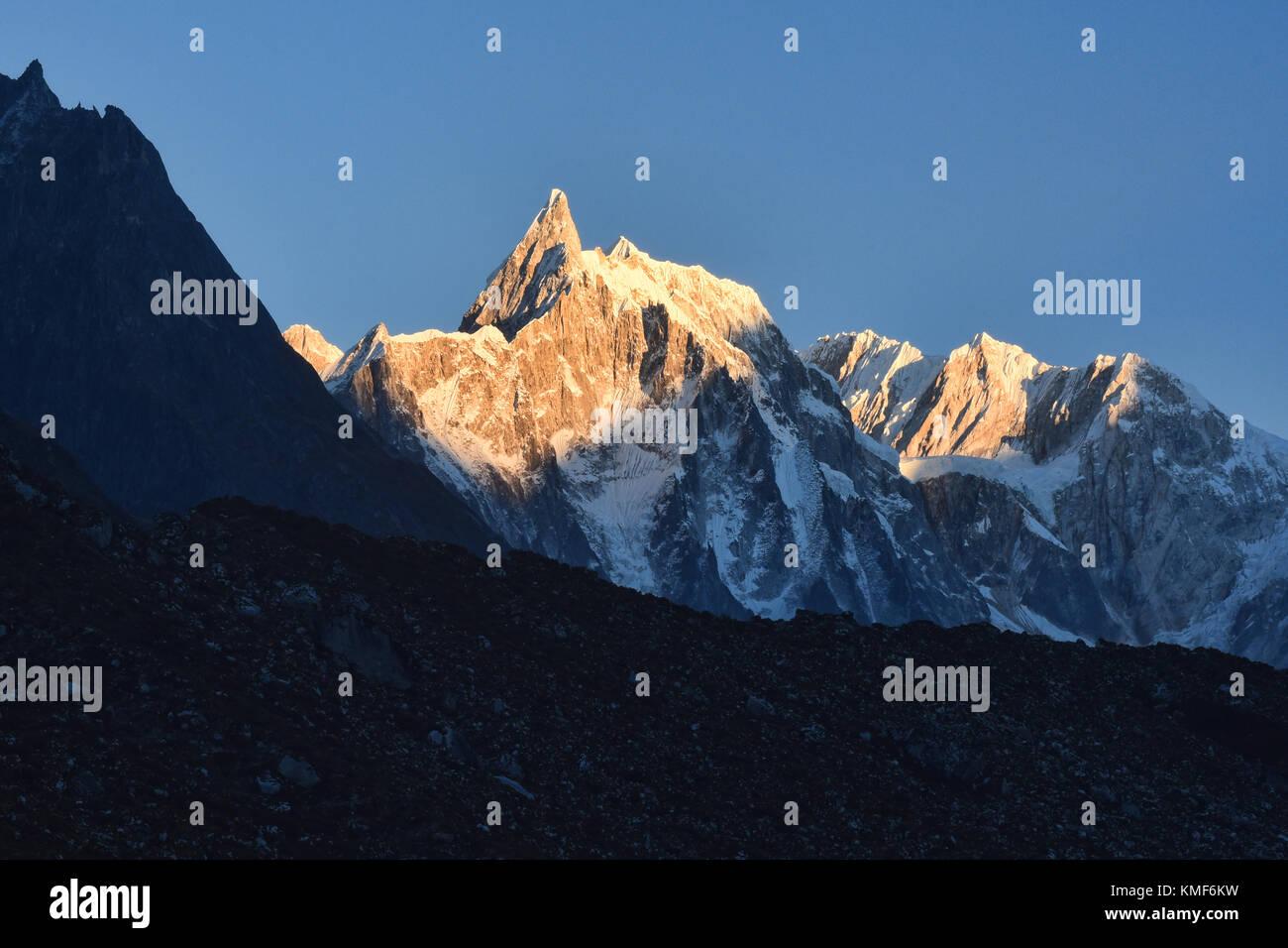 Kechakyu Himal at sunrise, Bimthang, Nepal - Stock Image