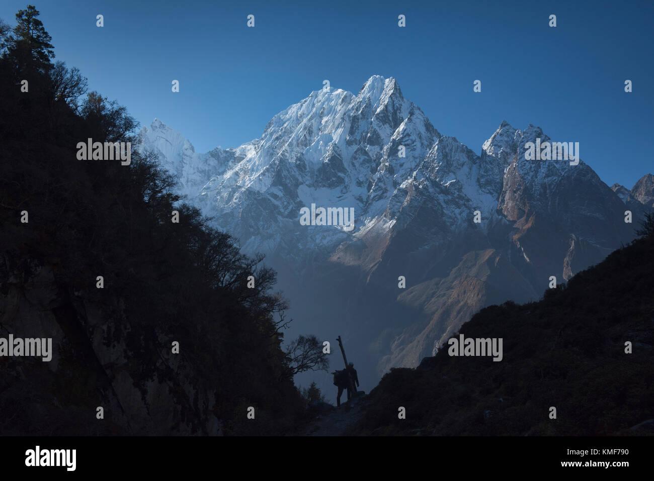 Underneath Phungi Himal on the Manaslu Circuit Trail, Nepal - Stock Image