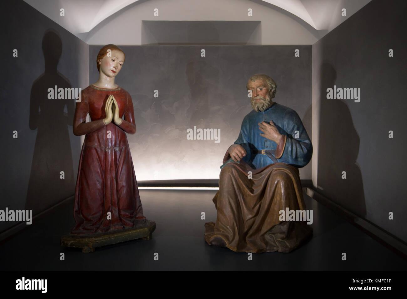 Marco della Robbia (Fra Mattia), Adoring Madonna and Saint Joseph, c. 1500, painted terracotta, Renaissance sculpture, - Stock Image