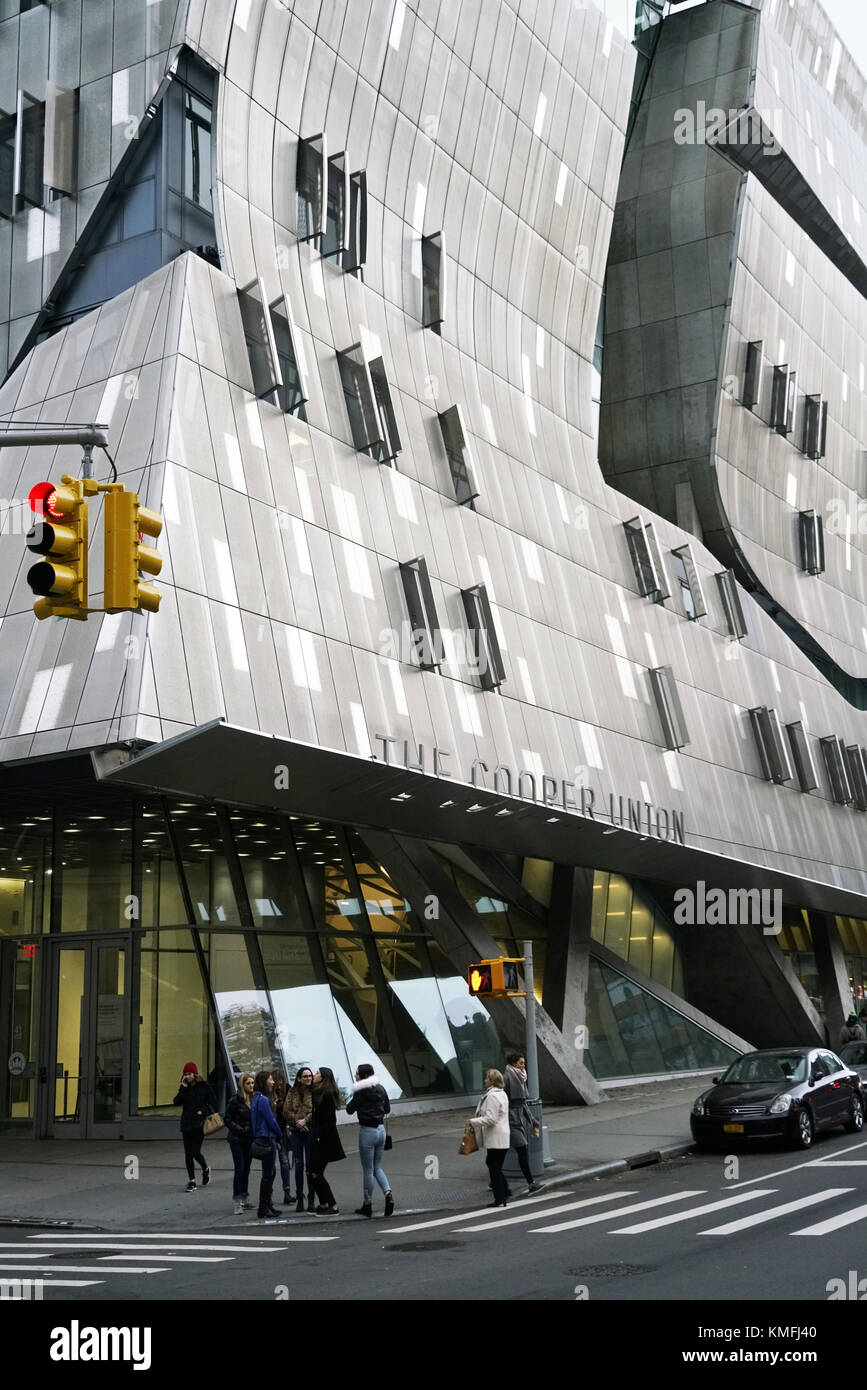 41 Cooper Square the new Cooper Union building designed by Thom Mayne  of Morphosis near Cooper Union square in - Stock Image