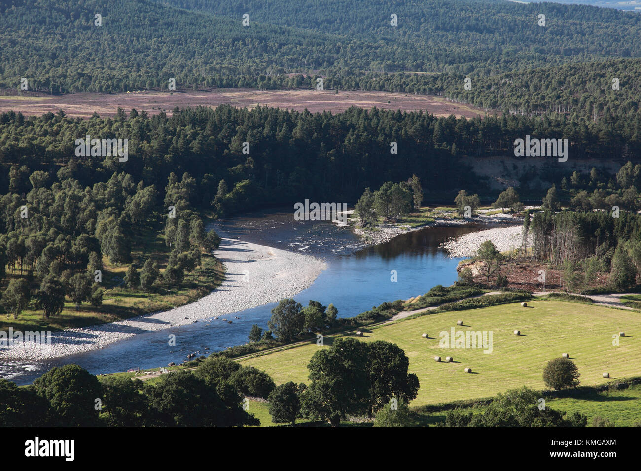The Dee between Ballater and Aboyne showing a new course taken by the river after Storm Frank - Stock Image