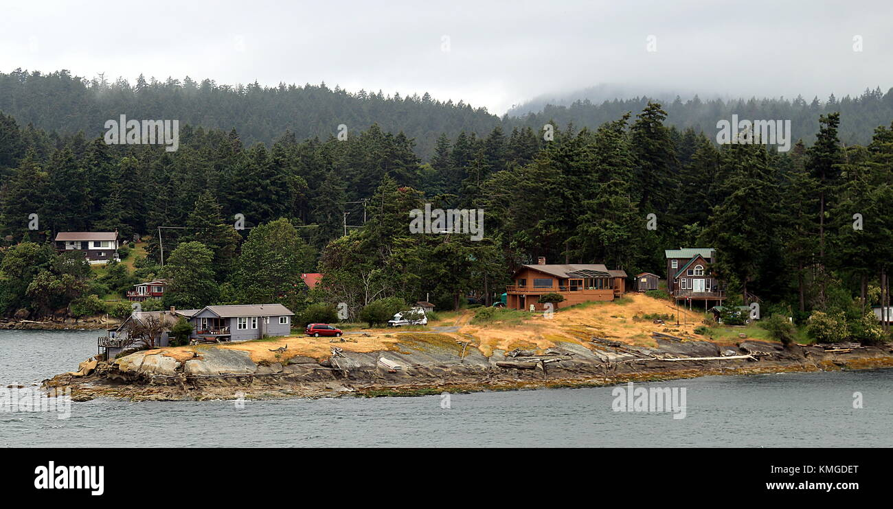Ocean view houses on the island in Vancouver, Canada. - Stock Image