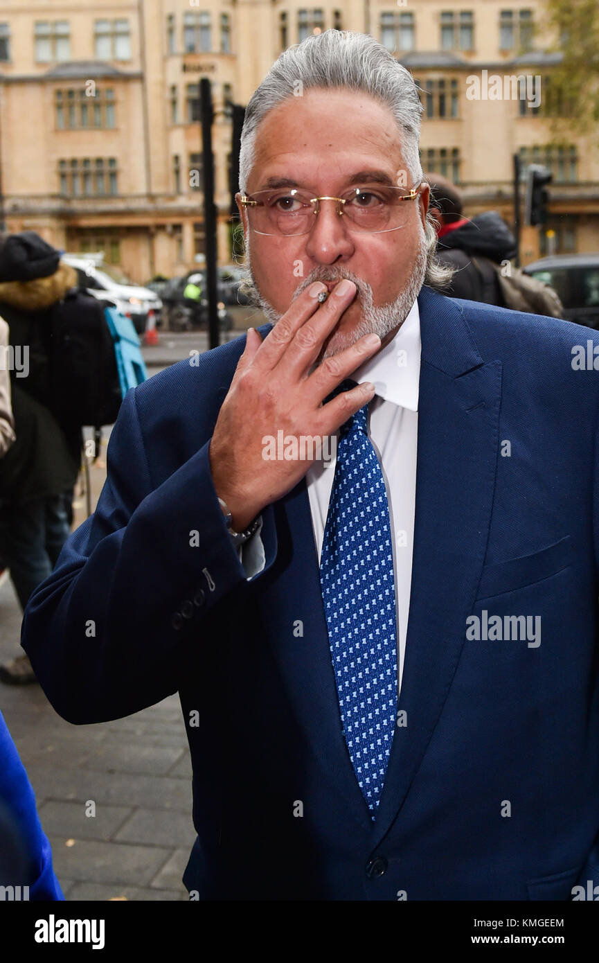 London, United Kingdom. 7th December 2017. Force India F1 boss Vijay Mallyae arrives at Westminster Magistrates' Stock Photo