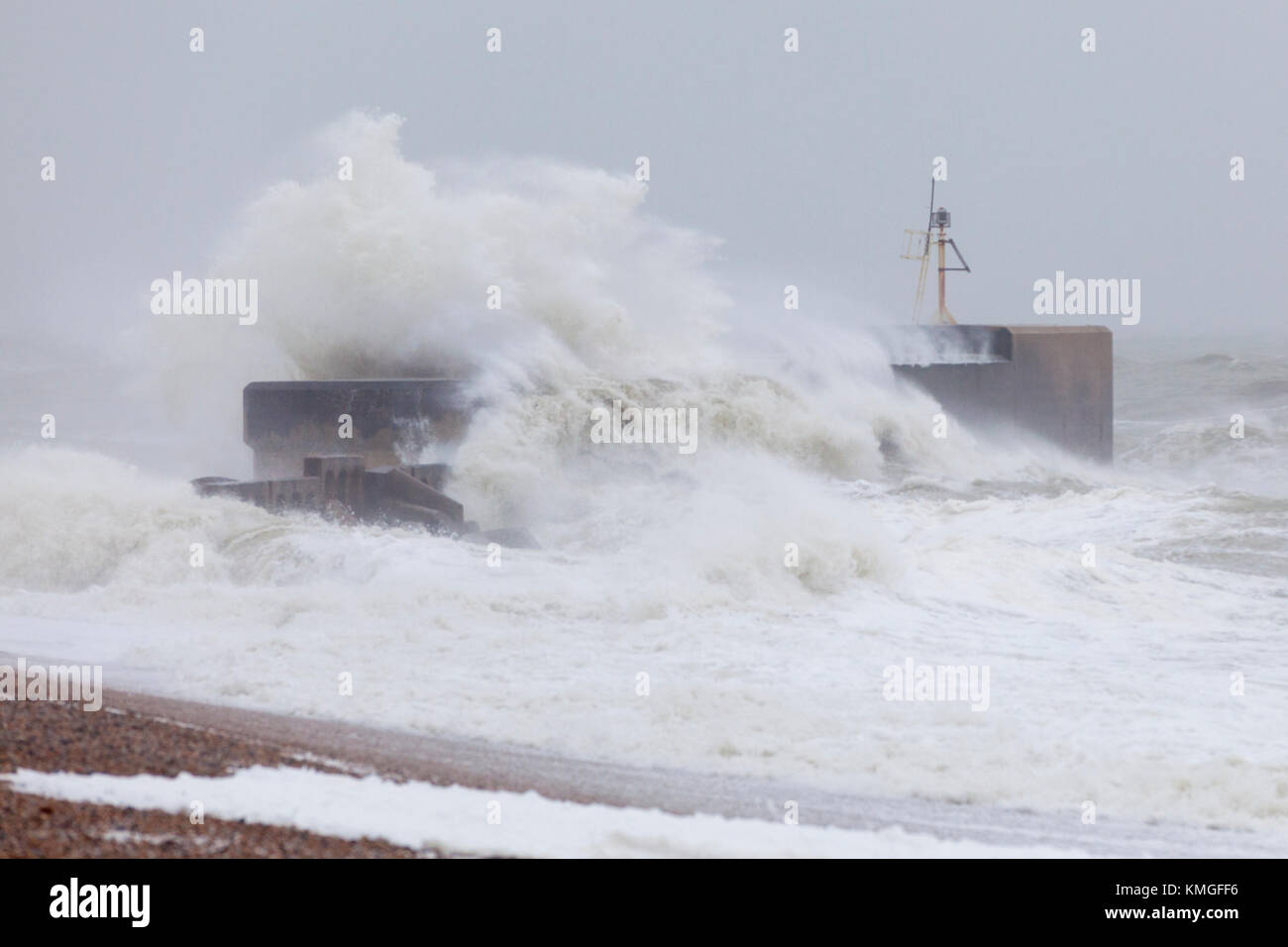 Hastings, East Sussex, UK. 7th December, 2017. Strong winds are battering the coastal town of Hastings this morning Stock Photo