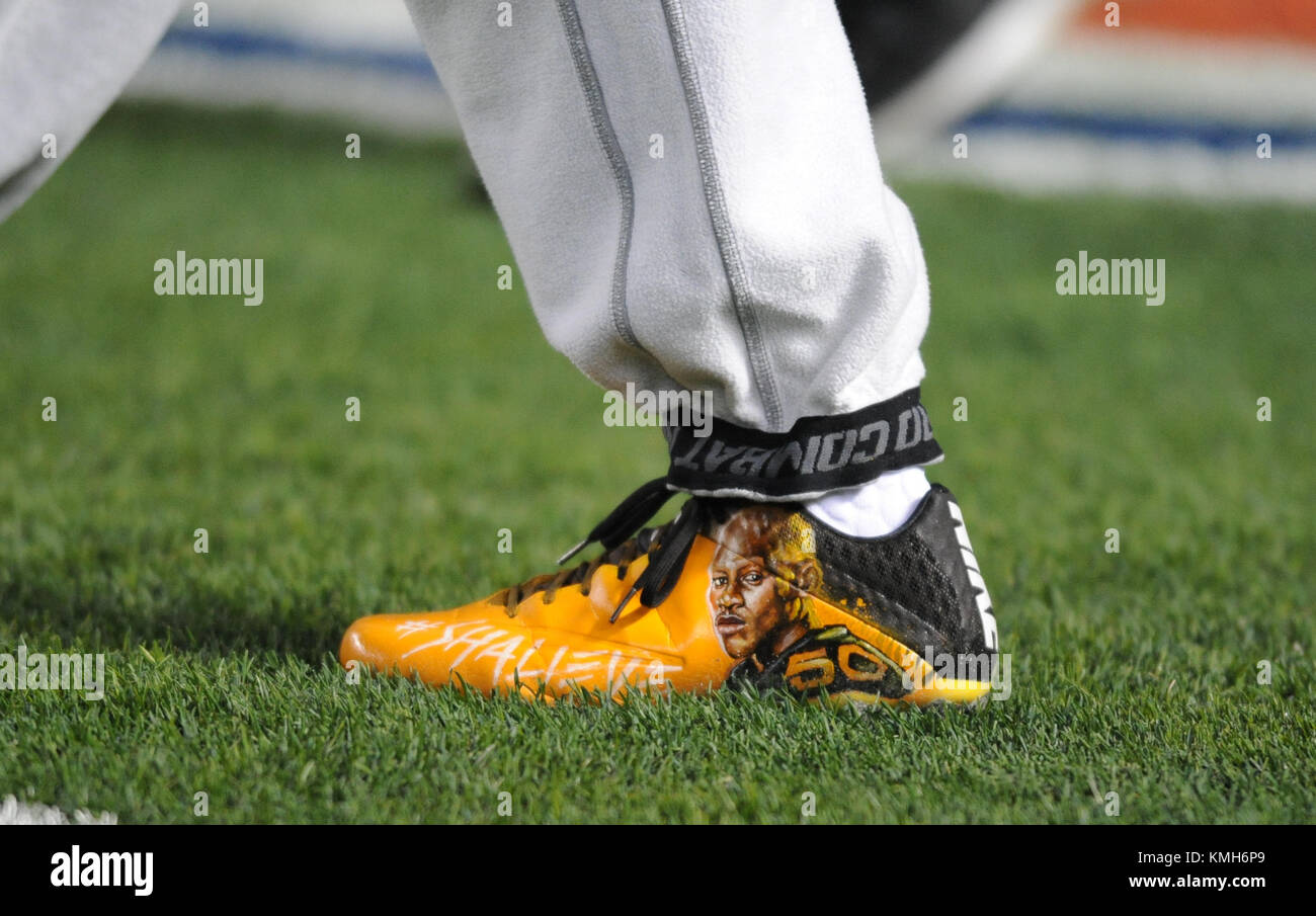 Ryan Shazier Pregame >> Shazier Steelers Stock Photos & Shazier Steelers Stock Images - Alamy