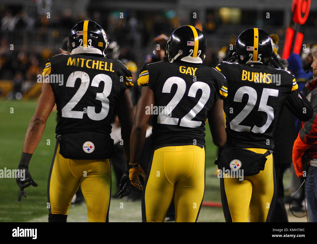 new product d9c47 e4982 Pittsburgh, PA, USA. 10th Dec, 2017. Steelers Mike Mitchell ...