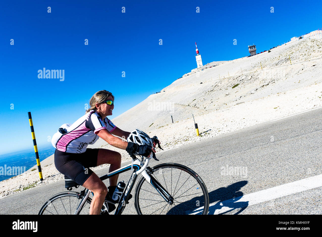 France. Vaucluse (84). Ascent of Mont Ventoux. Cyclotouristes - Stock Image