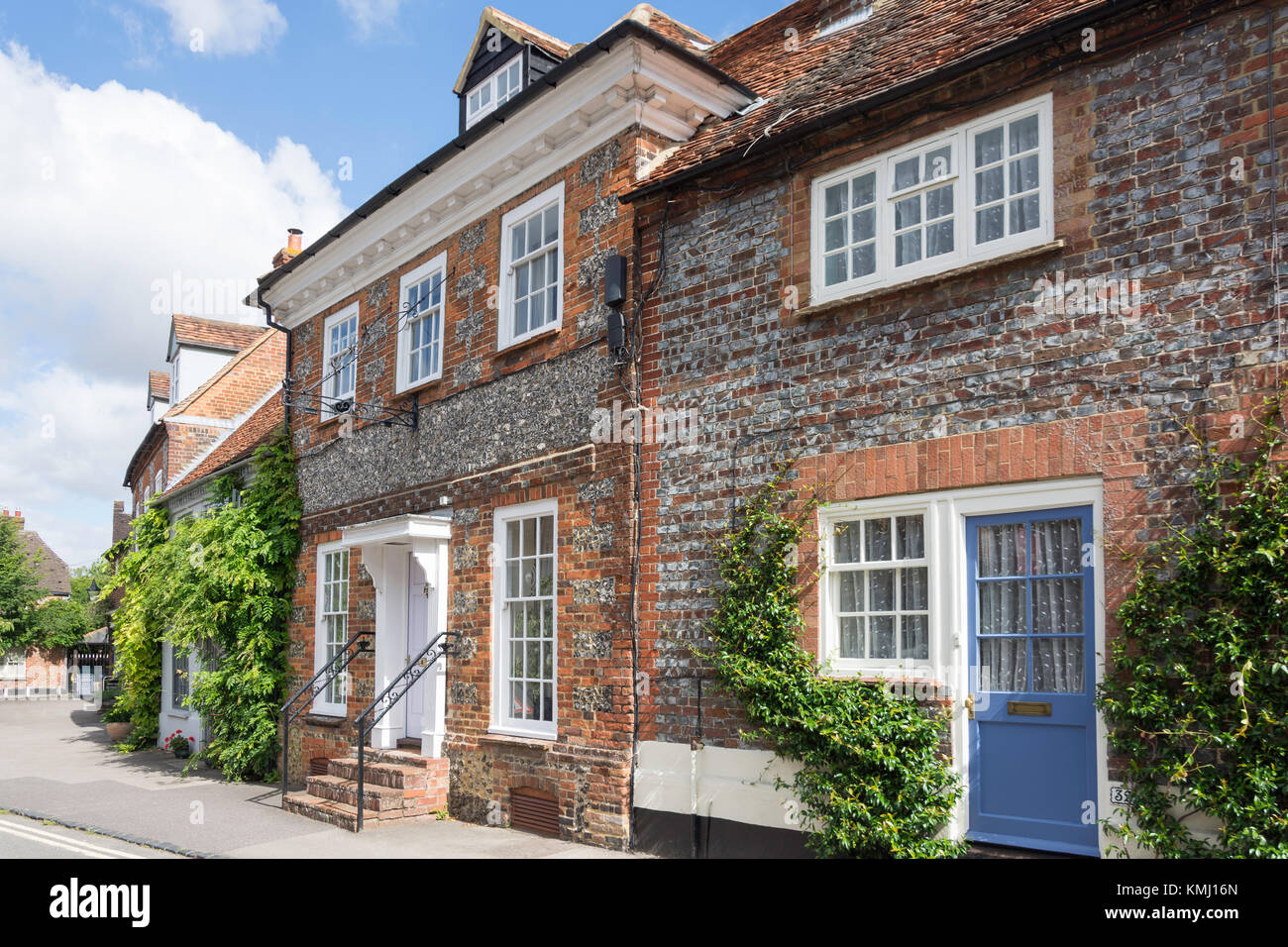 Period houses, High Street, Watlington, Oxfordshire, England, United Kingdom - Stock Image