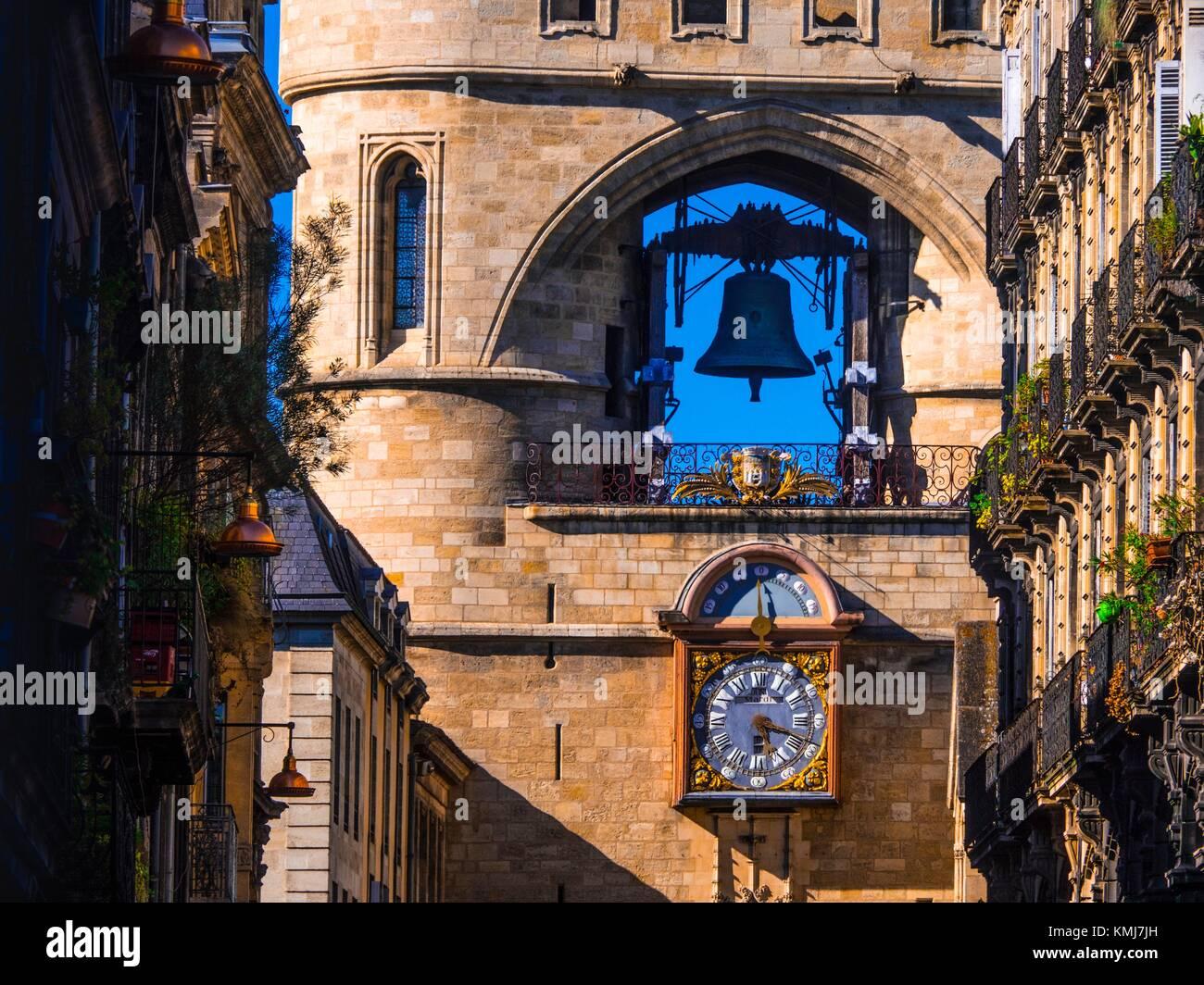 France, Aquitaine, Gironde. ''Grosse Cloche'' on ''Porte Saint Eloï'' gate - Stock Image