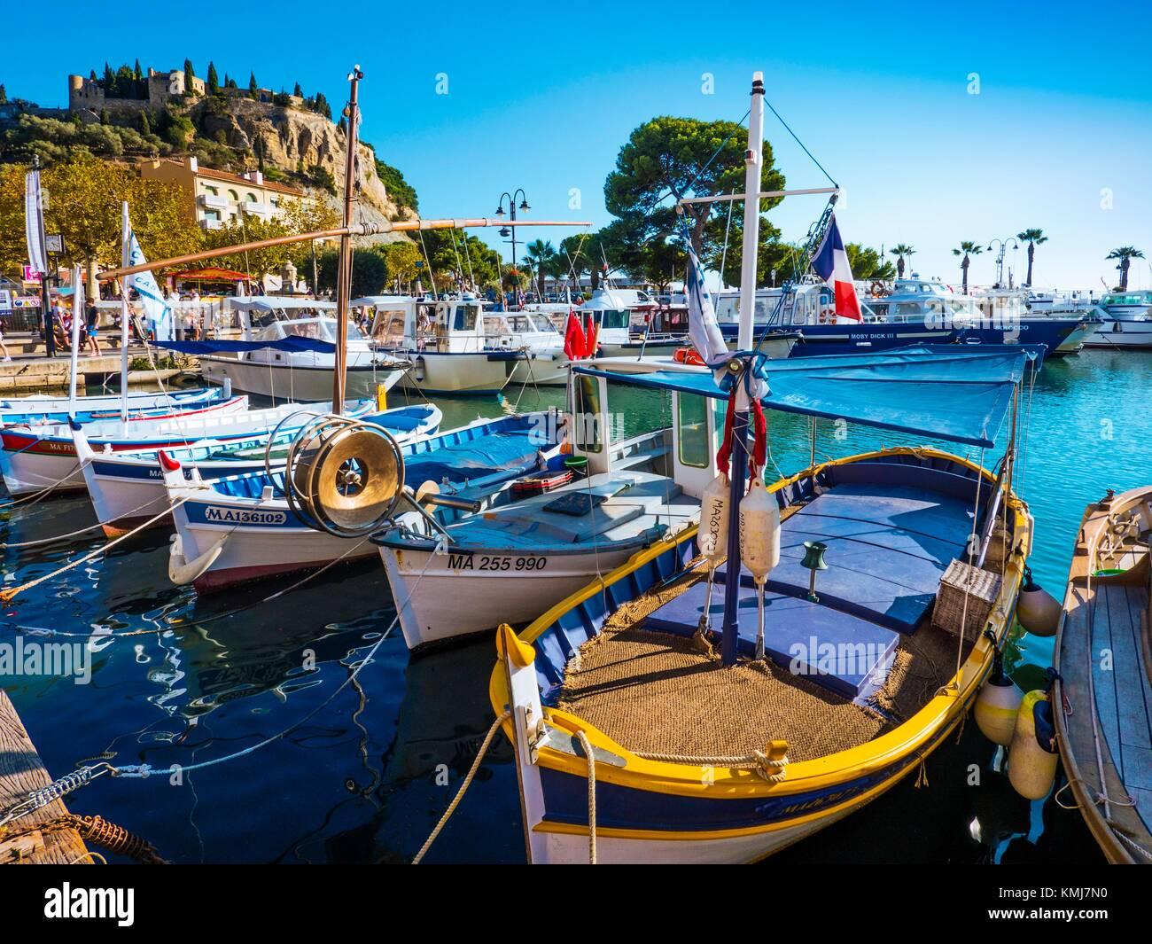 France, Paca-Cote d´Azur, Fishinh harbour at Cassis. - Stock Image