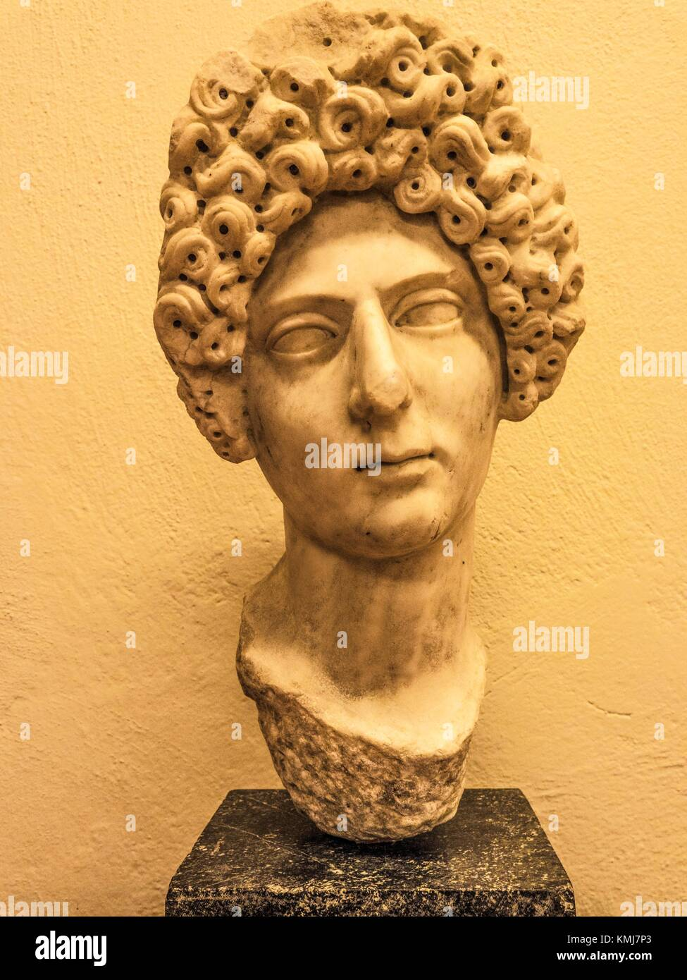 Albania, Fier- Ruins of Apollonia: head of a Roman Matron, Ic. marble. - Stock Image