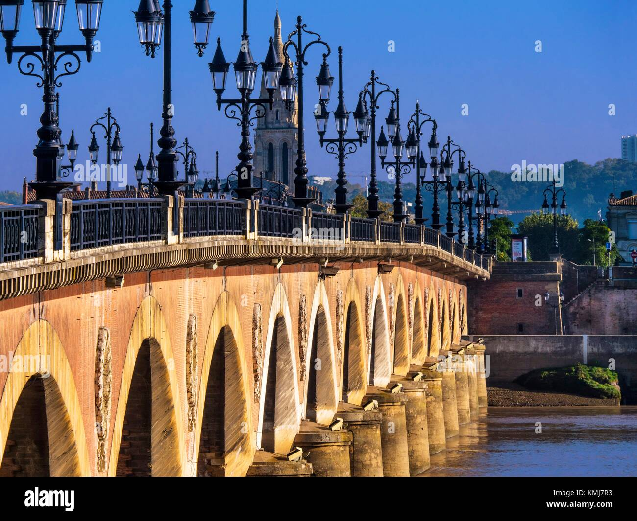 France, Nouvelle Aquitaine- Gironde- ''Pont de pierre'' bridge over the garonne river, at Bordeaux. - Stock Image