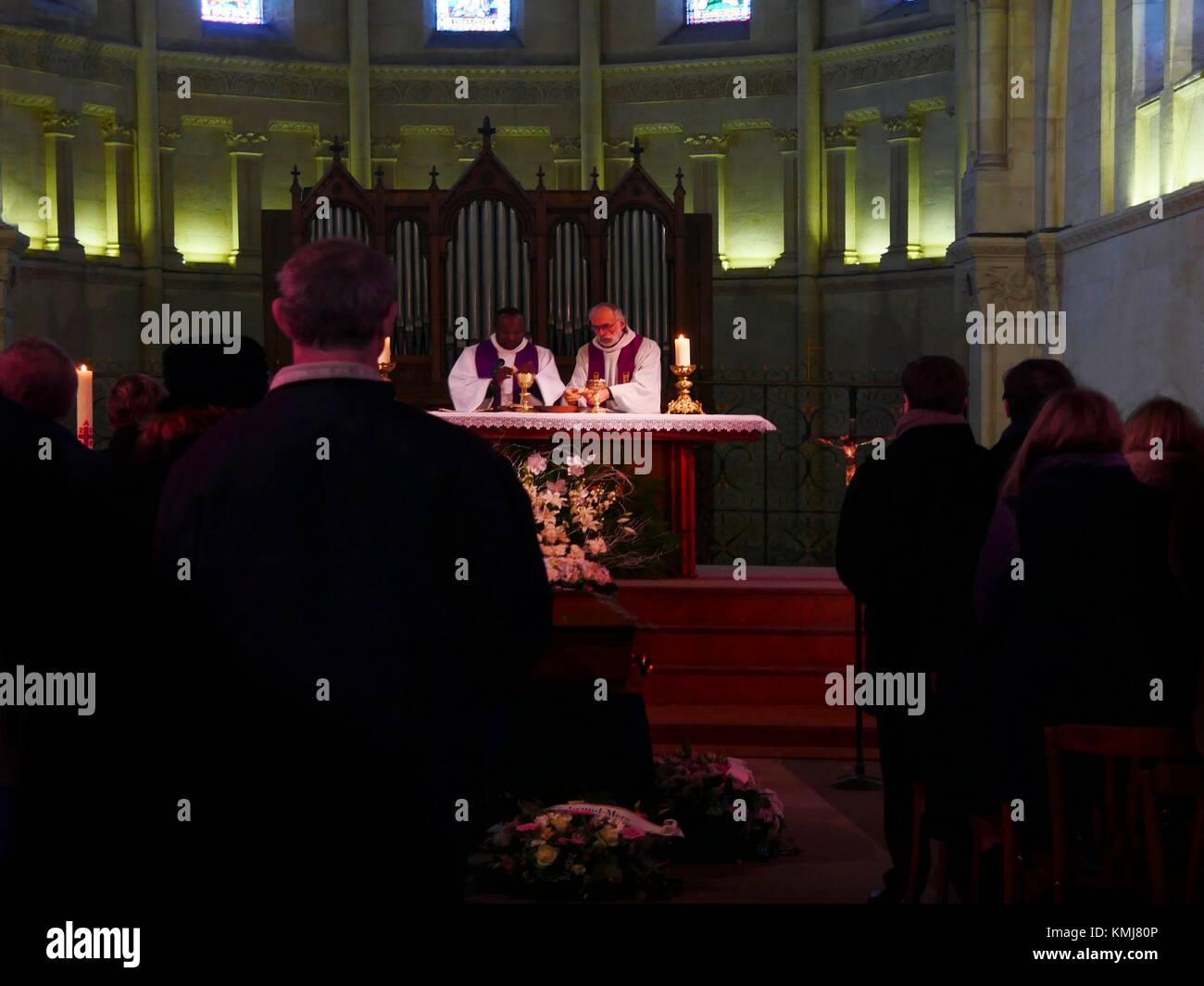 France. Nouvelle Aquitaine. Gironde. Roman catholic ceremony at Sainte Marie de la Bastide church at Bordeaux. Stock Photo