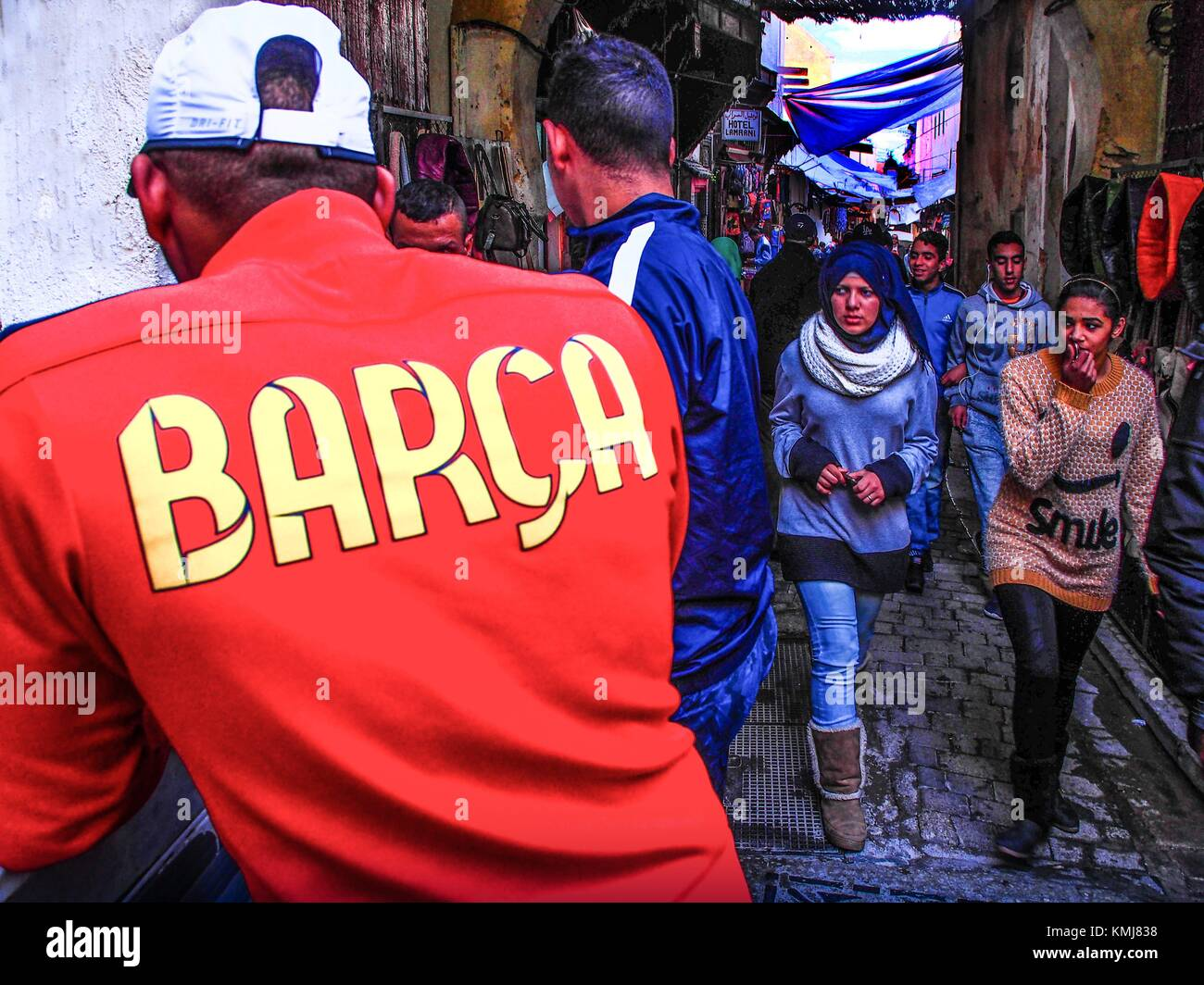 Morocco, Fes, a ''Barça'' (Futbol Club Barcelona) fan in the ''Medina'' (old - Stock Image