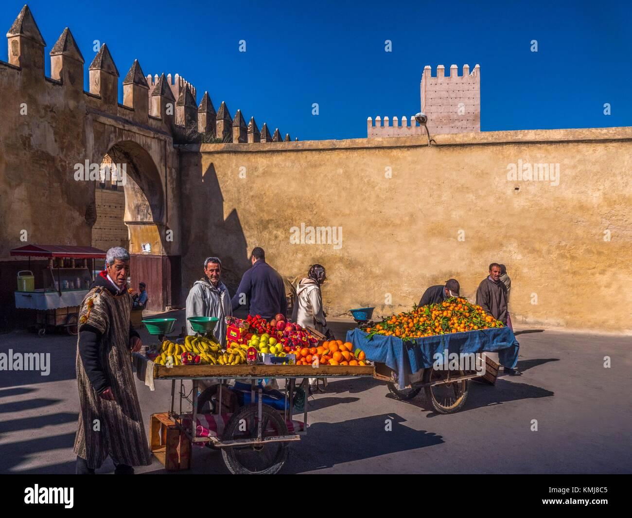 Morrocco, Fes, Bab Dekkaken gate at Fes, Jdid - Stock Image