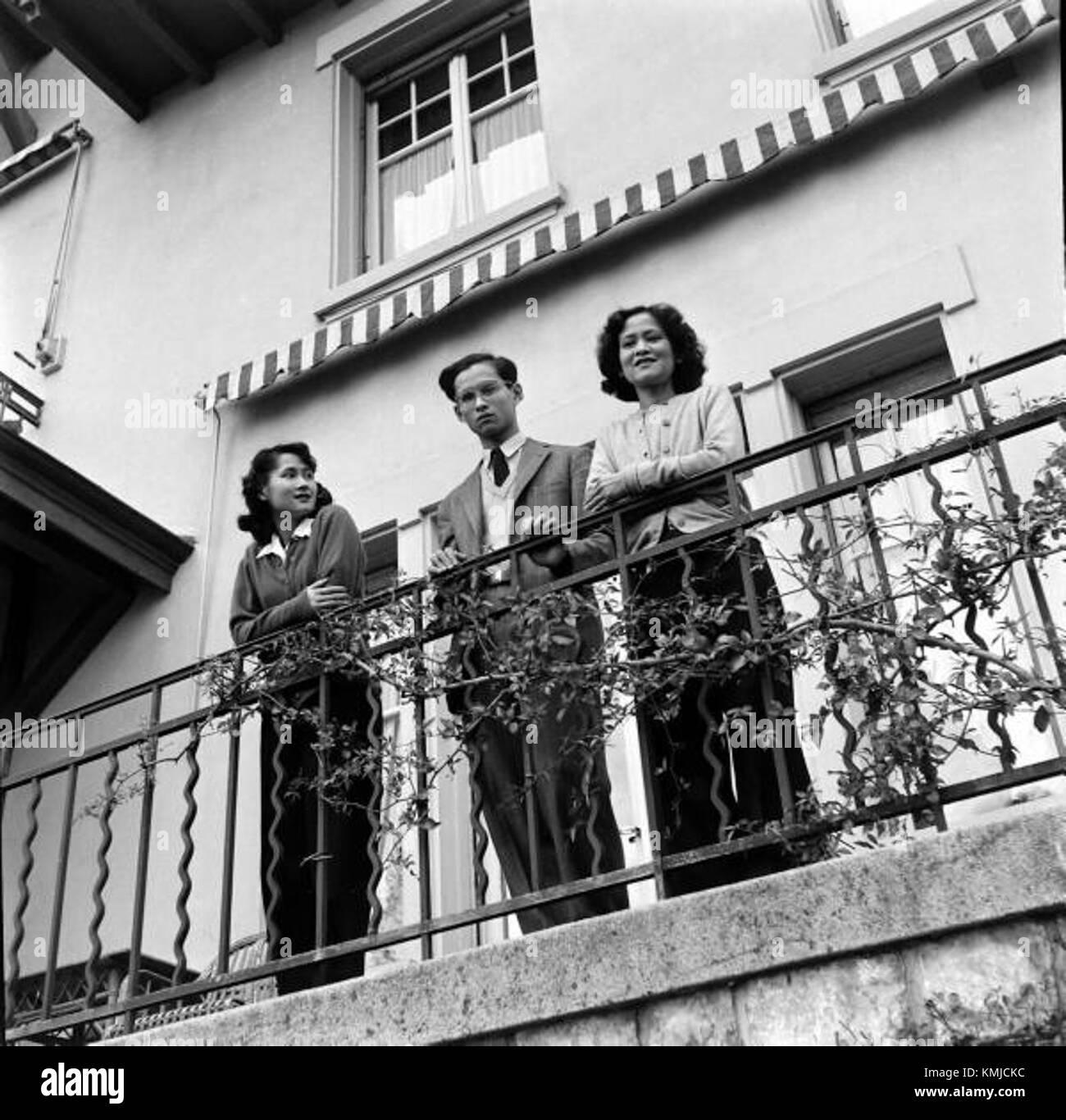 King Bhumibol with his mother and his elder sister at Villa Vadhana 2 Stock Photo