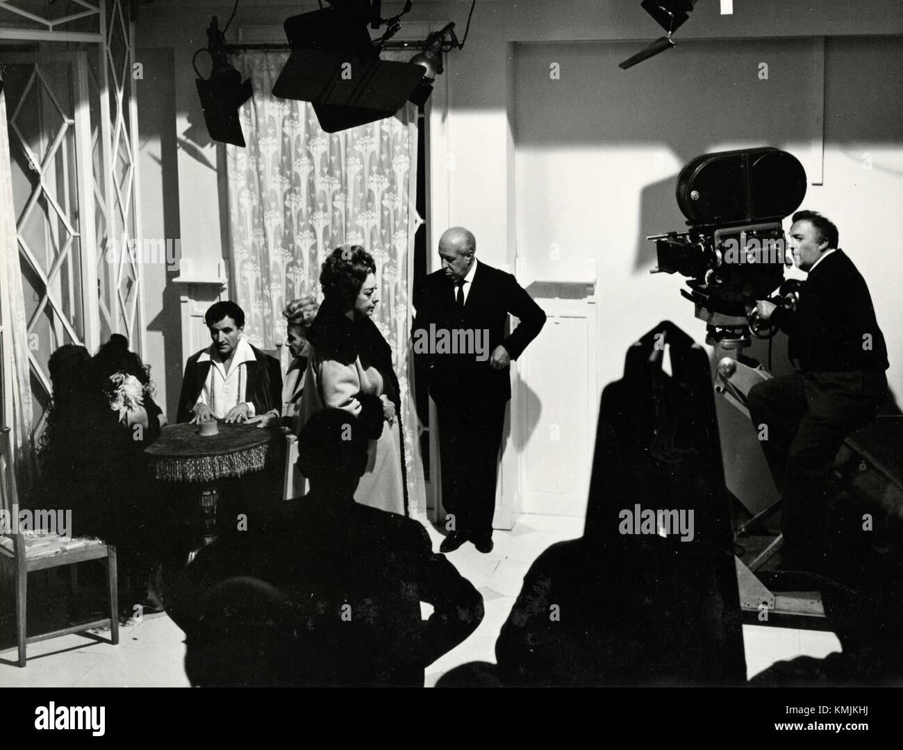 Italian movie-maker Federico Fellini filming Juliet of the Spirits, Italy 1965 - Stock Image