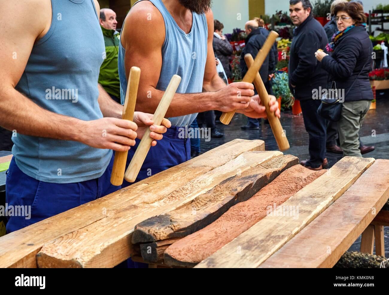Txalaparta (Basque typical wooden percussion instrument), Feria de Santo Tomás, The feast of St. Thomas takes - Stock Image