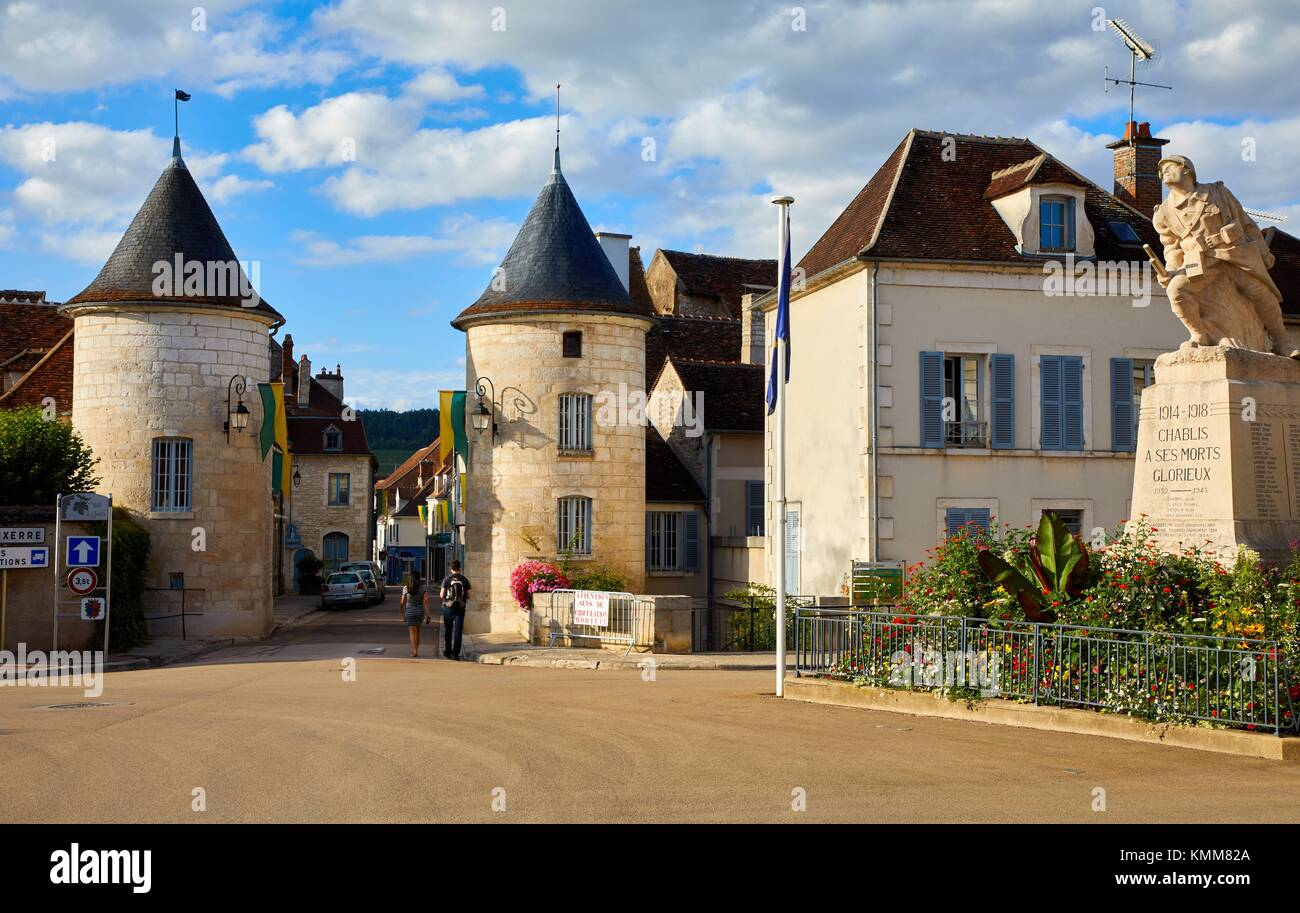 Noel door, Porte Noel, Chablis, Yonne, Bourgogne, Burgundy, France, Europe - Stock Image