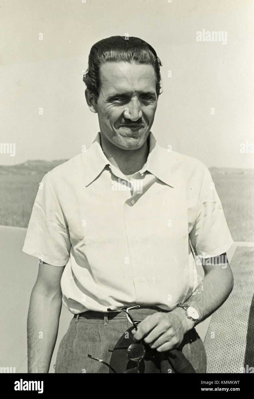 Man with shirt, Italy 1930s - Stock Image